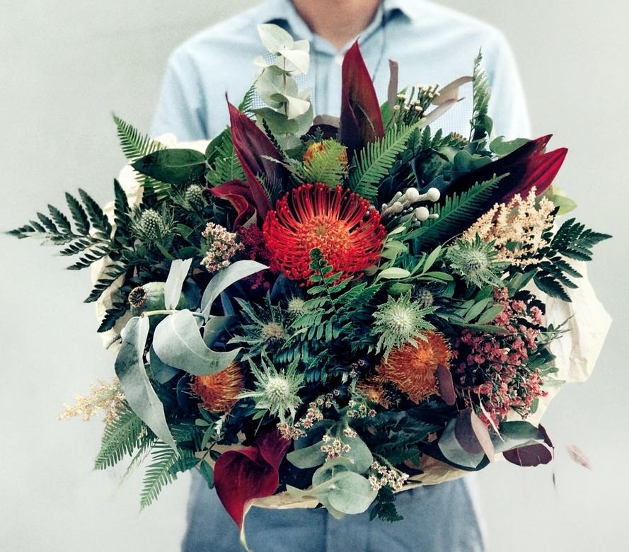 Цветы в мужской букеты, доставкой